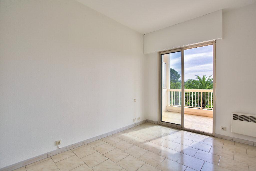 Appartement à louer 3 62.05m2 à Mandelieu-la-Napoule vignette-13