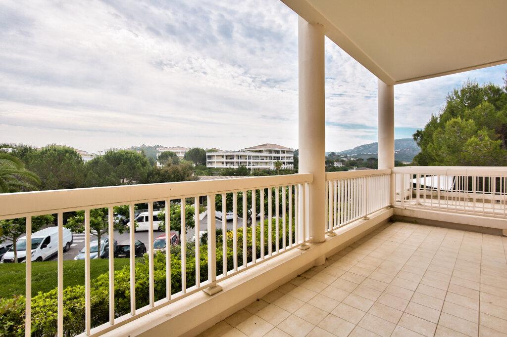 Appartement à louer 3 62.05m2 à Mandelieu-la-Napoule vignette-15