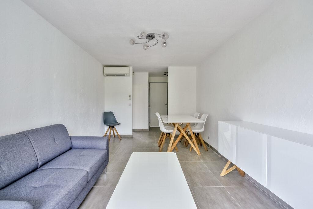 Appartement à louer 3 51.25m2 à Mandelieu-la-Napoule vignette-7
