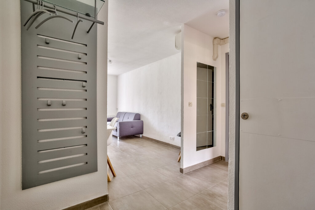 Appartement à louer 3 51.25m2 à Mandelieu-la-Napoule vignette-8