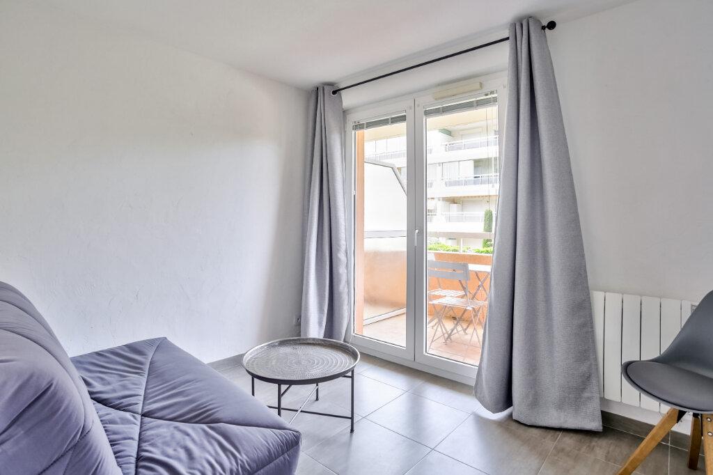 Appartement à louer 3 51.25m2 à Mandelieu-la-Napoule vignette-13