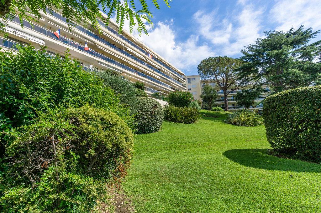 Appartement à louer 1 29.55m2 à Mandelieu-la-Napoule vignette-3