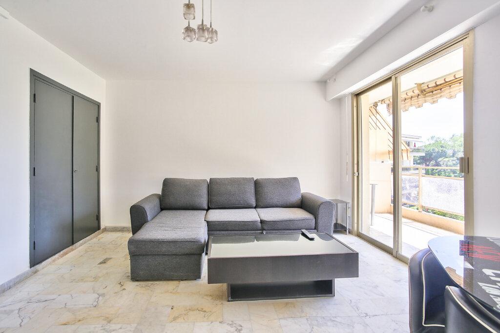 Appartement à louer 1 29.55m2 à Mandelieu-la-Napoule vignette-11