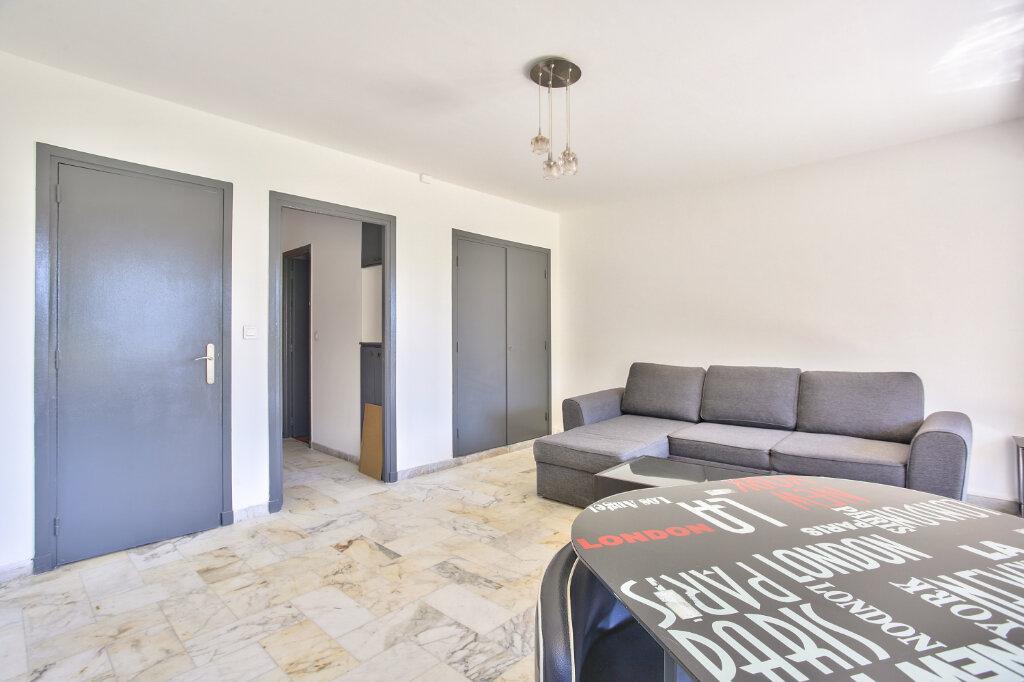 Appartement à louer 1 29.55m2 à Mandelieu-la-Napoule vignette-12