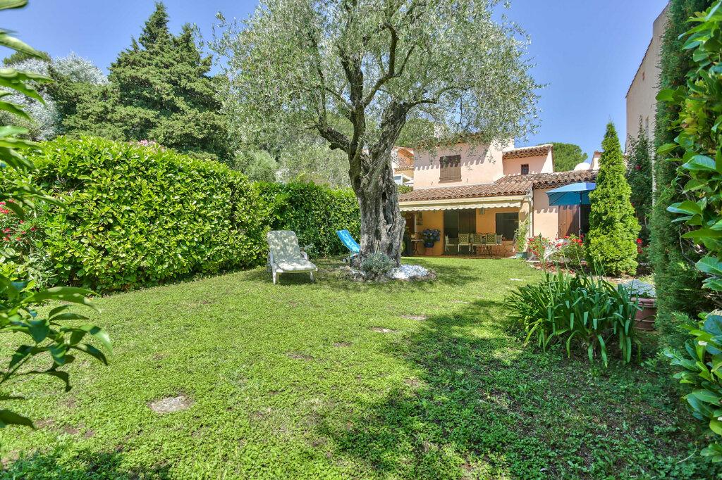 Maison à vendre 4 109.03m2 à Mandelieu-la-Napoule vignette-2