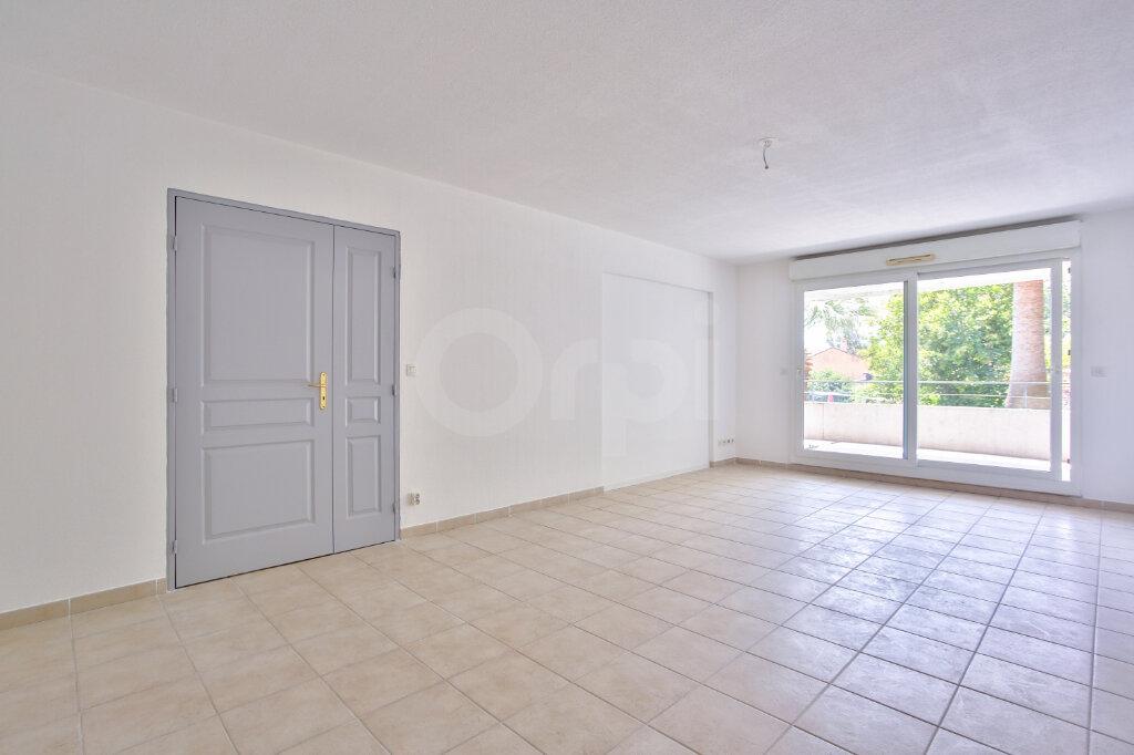Appartement à louer 4 91.26m2 à Mandelieu-la-Napoule vignette-6