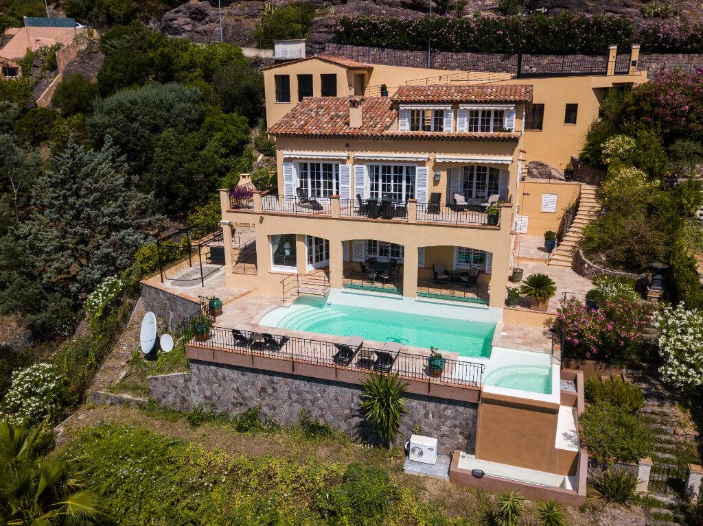 Maison à vendre 6 330m2 à Théoule-sur-Mer vignette-1