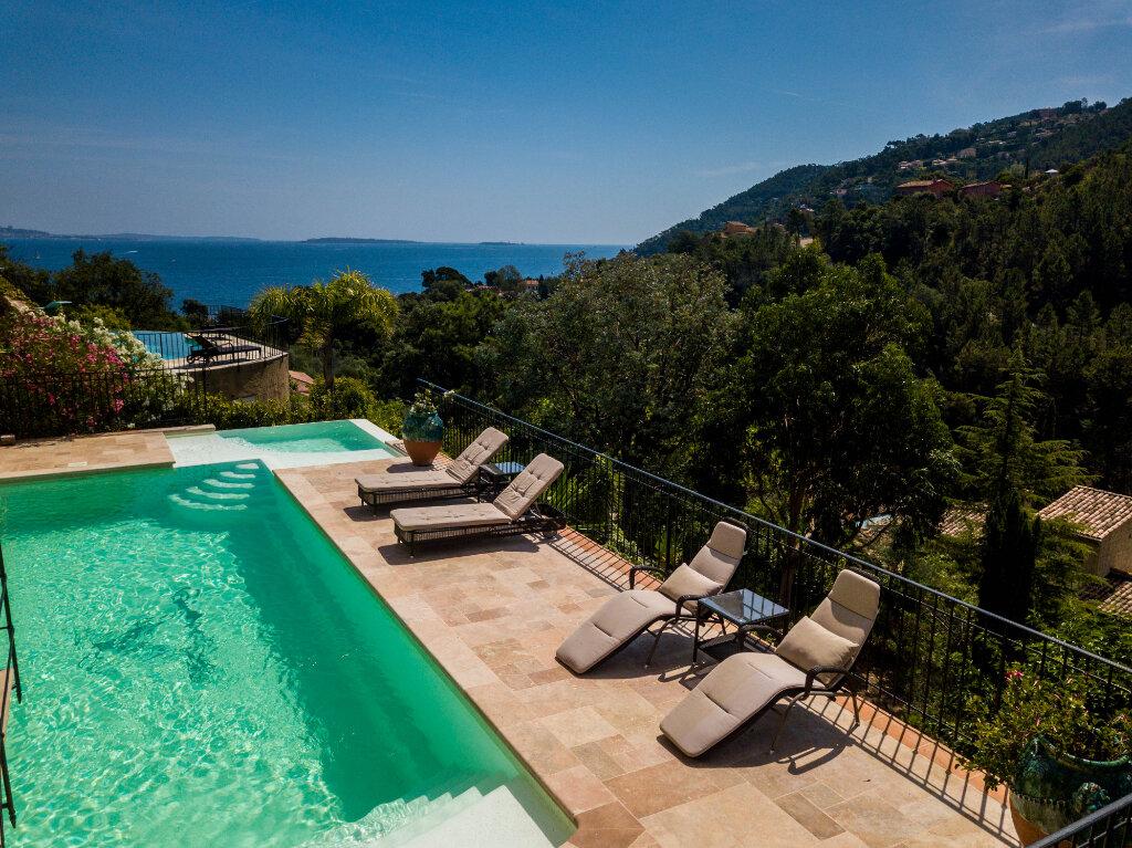 Maison à vendre 6 330m2 à Théoule-sur-Mer vignette-4