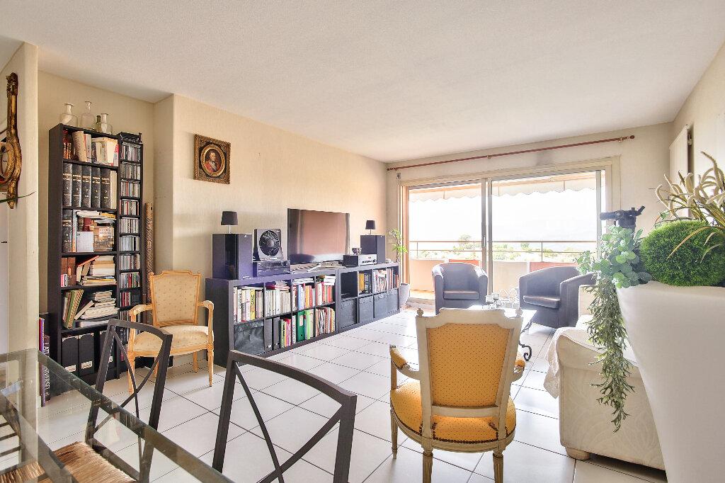 Appartement à vendre 3 72.15m2 à Mandelieu-la-Napoule vignette-5