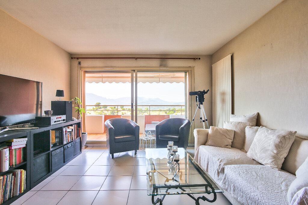 Appartement à vendre 3 72.15m2 à Mandelieu-la-Napoule vignette-6