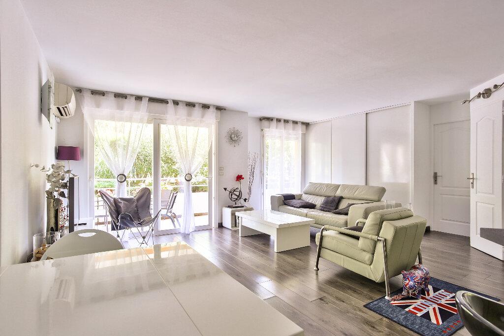 Appartement à vendre 2 51.6m2 à Mandelieu-la-Napoule vignette-3