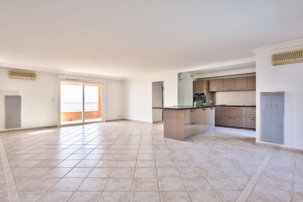 Appartement à vendre 4 106.14m2 à Mandelieu-la-Napoule vignette-5