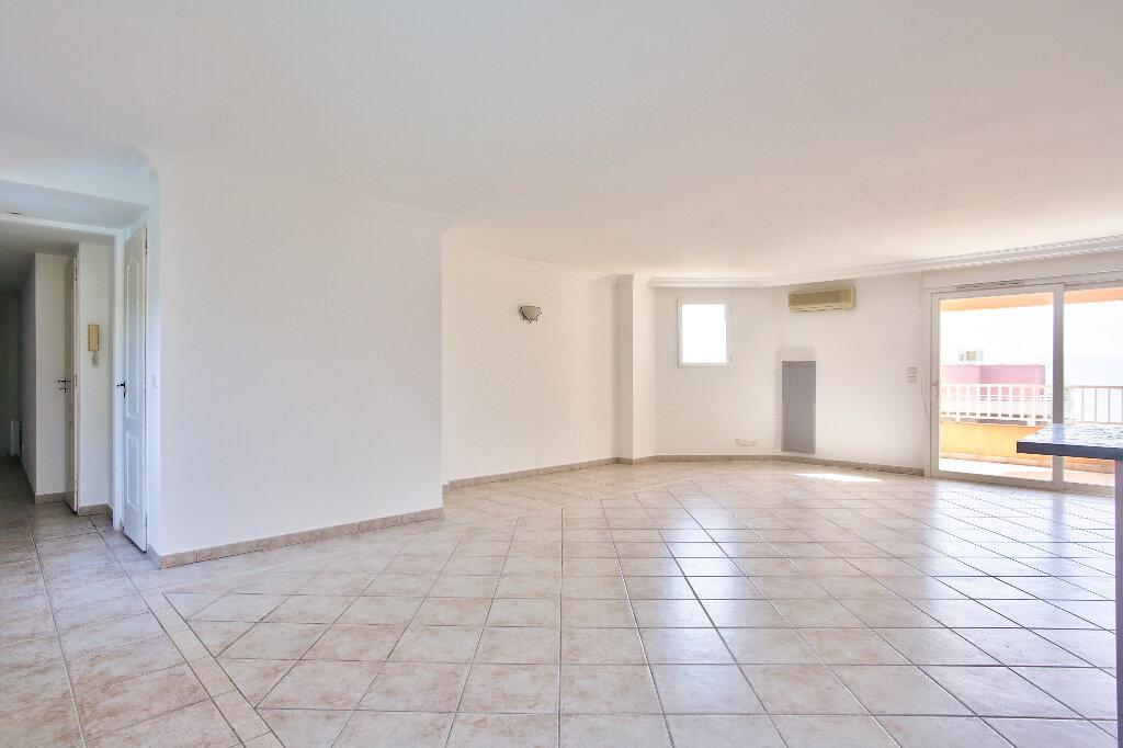 Appartement à vendre 4 106.14m2 à Mandelieu-la-Napoule vignette-6
