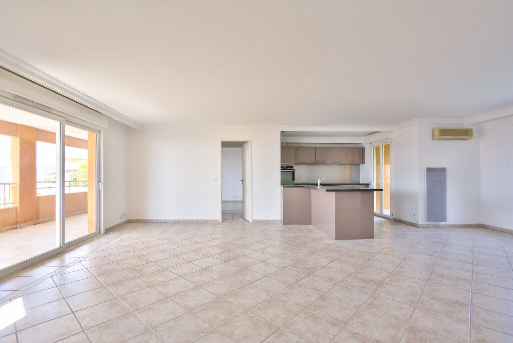 Appartement à vendre 4 106.14m2 à Mandelieu-la-Napoule vignette-7
