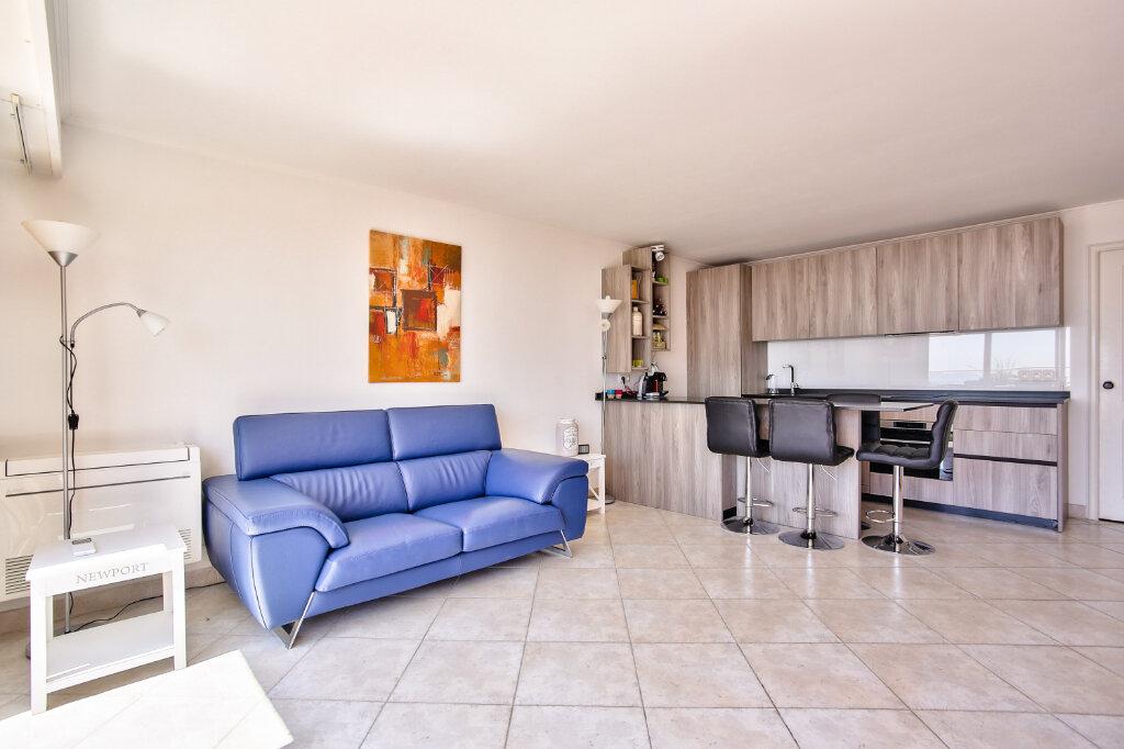 Appartement à vendre 3 62.65m2 à Mandelieu-la-Napoule vignette-10