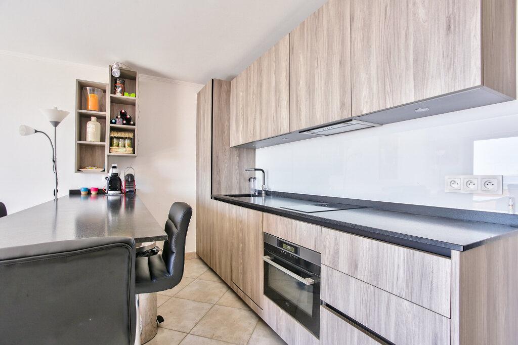 Appartement à vendre 3 62.65m2 à Mandelieu-la-Napoule vignette-12
