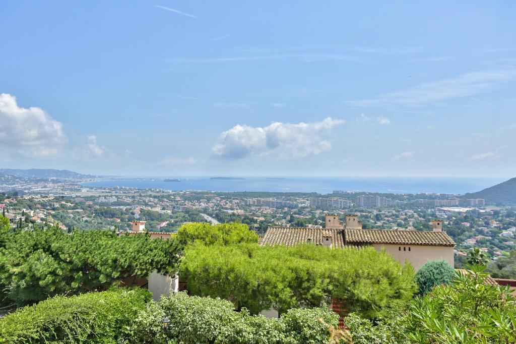 Appartement à louer 3 80.3m2 à Mandelieu-la-Napoule vignette-2