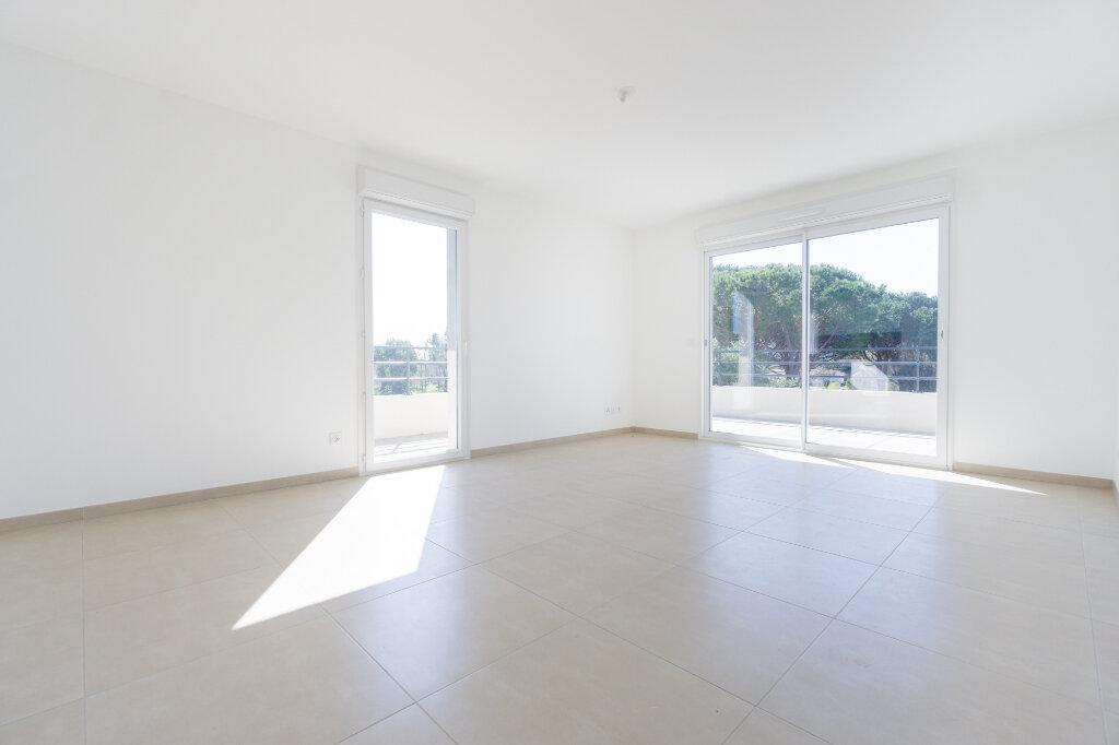 Appartement à louer 4 84.5m2 à Mandelieu-la-Napoule vignette-2