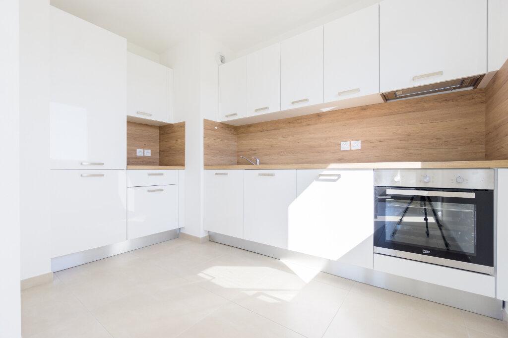Appartement à louer 4 84.5m2 à Mandelieu-la-Napoule vignette-4
