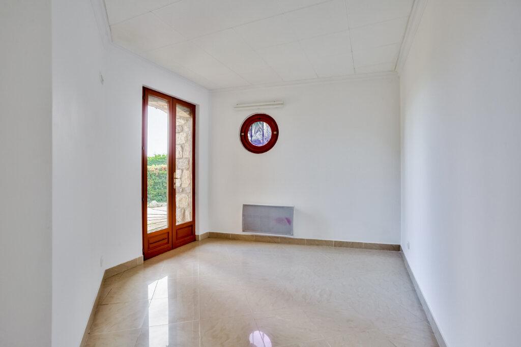 Maison à louer 5 130m2 à Mandelieu-la-Napoule vignette-11