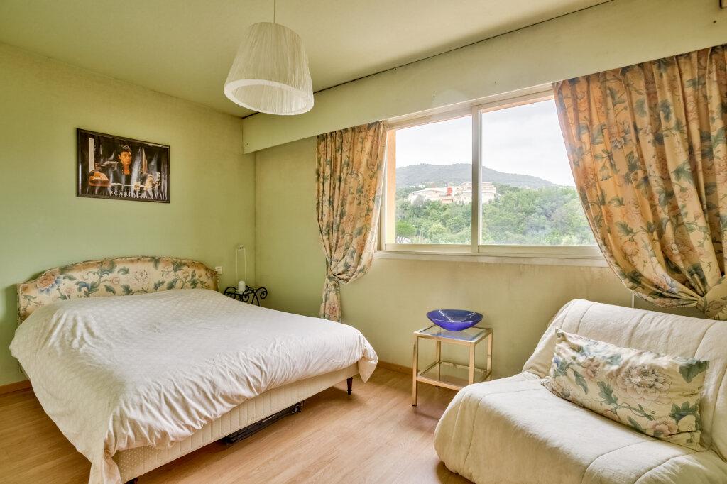 Appartement à louer 3 79.55m2 à Mandelieu-la-Napoule vignette-4