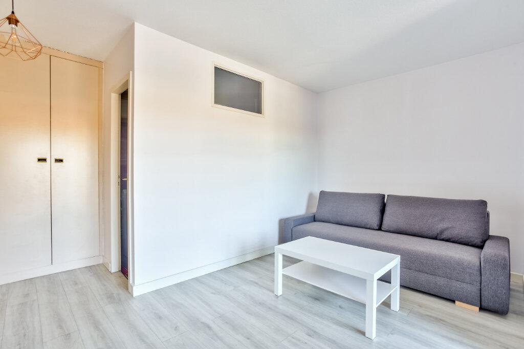 Appartement à louer 1 28.04m2 à Mandelieu-la-Napoule vignette-9