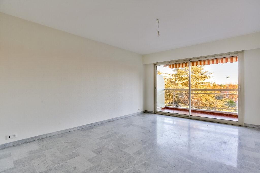 Appartement à louer 3 73.5m2 à Mandelieu-la-Napoule vignette-4