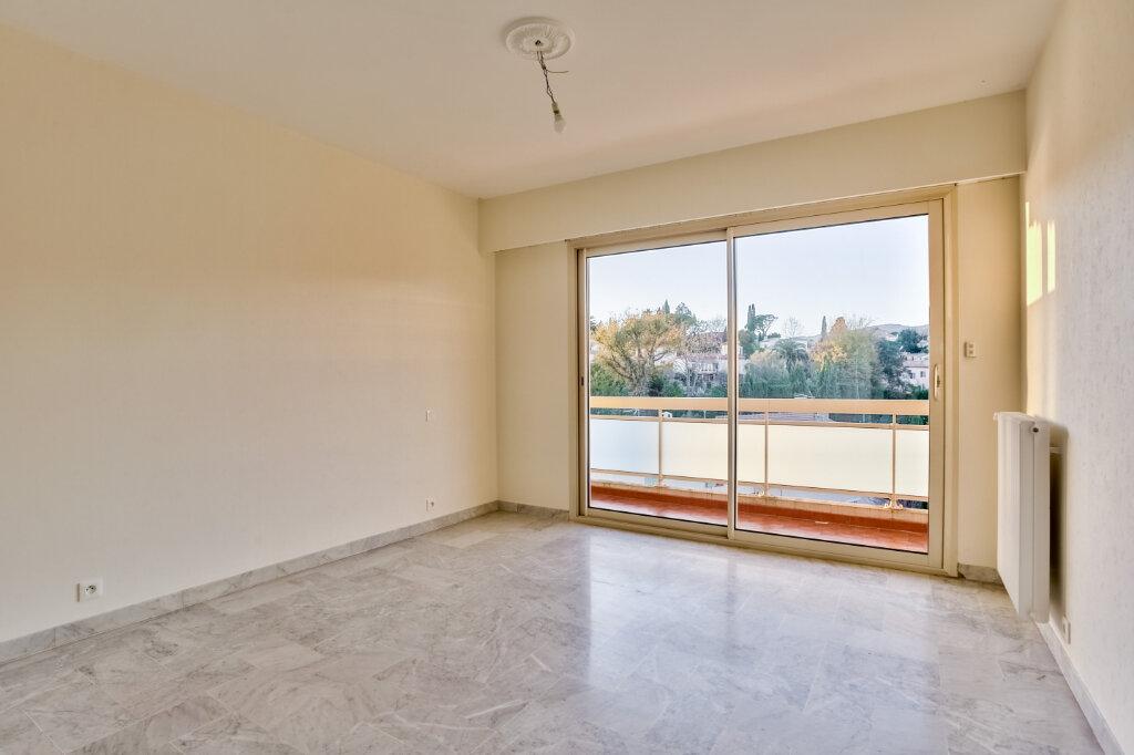 Appartement à louer 3 73.5m2 à Mandelieu-la-Napoule vignette-10