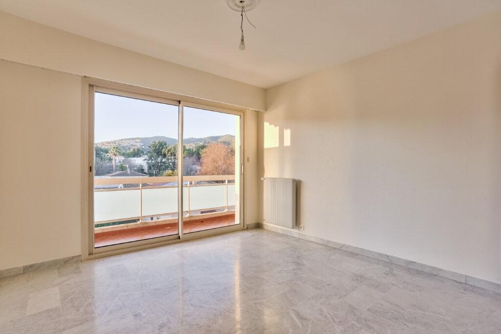 Appartement à louer 3 73.5m2 à Mandelieu-la-Napoule vignette-11