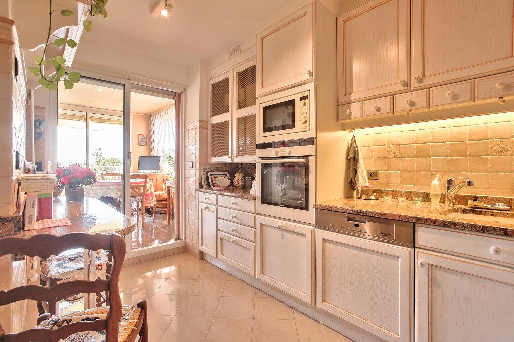 Appartement à vendre 5 130.46m2 à Mandelieu-la-Napoule vignette-13