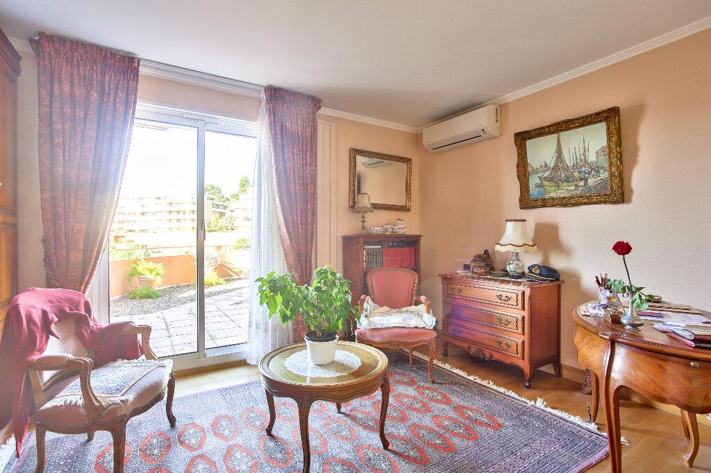 Appartement à vendre 5 130.46m2 à Mandelieu-la-Napoule vignette-16