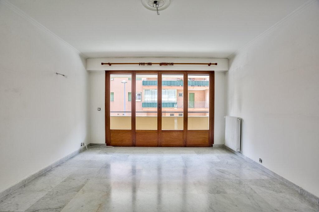 Appartement à louer 3 68.08m2 à Mandelieu-la-Napoule vignette-4