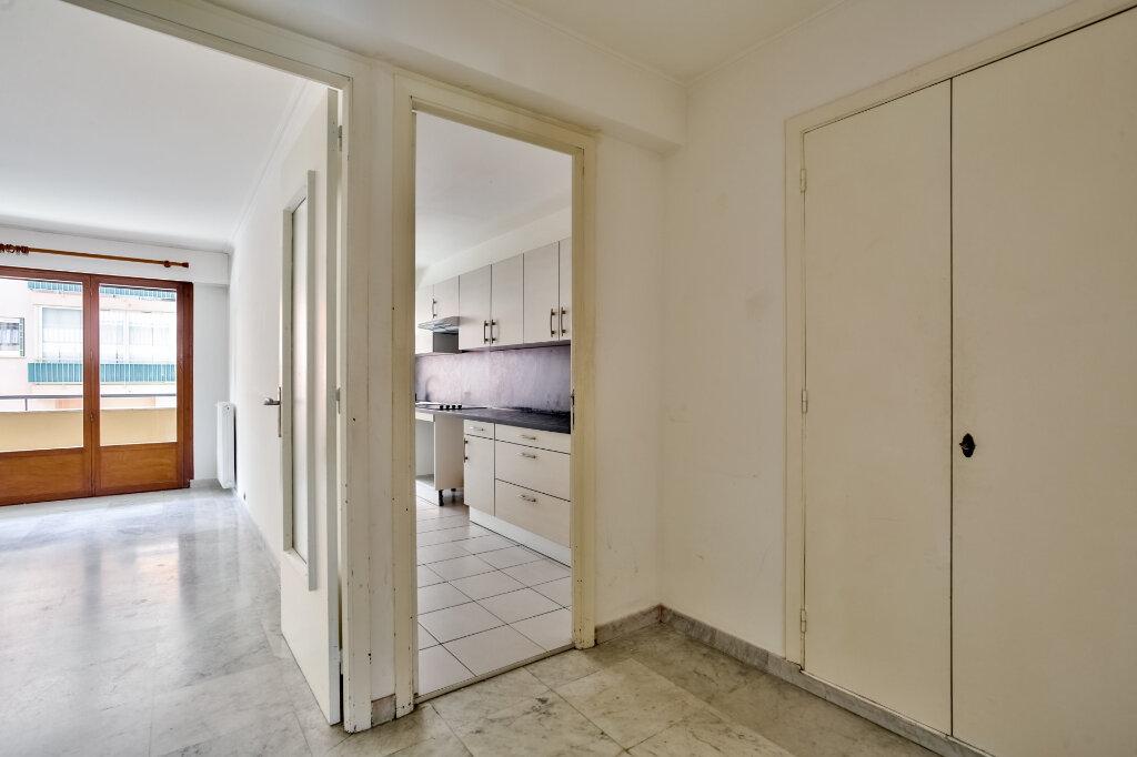 Appartement à louer 3 68.08m2 à Mandelieu-la-Napoule vignette-6