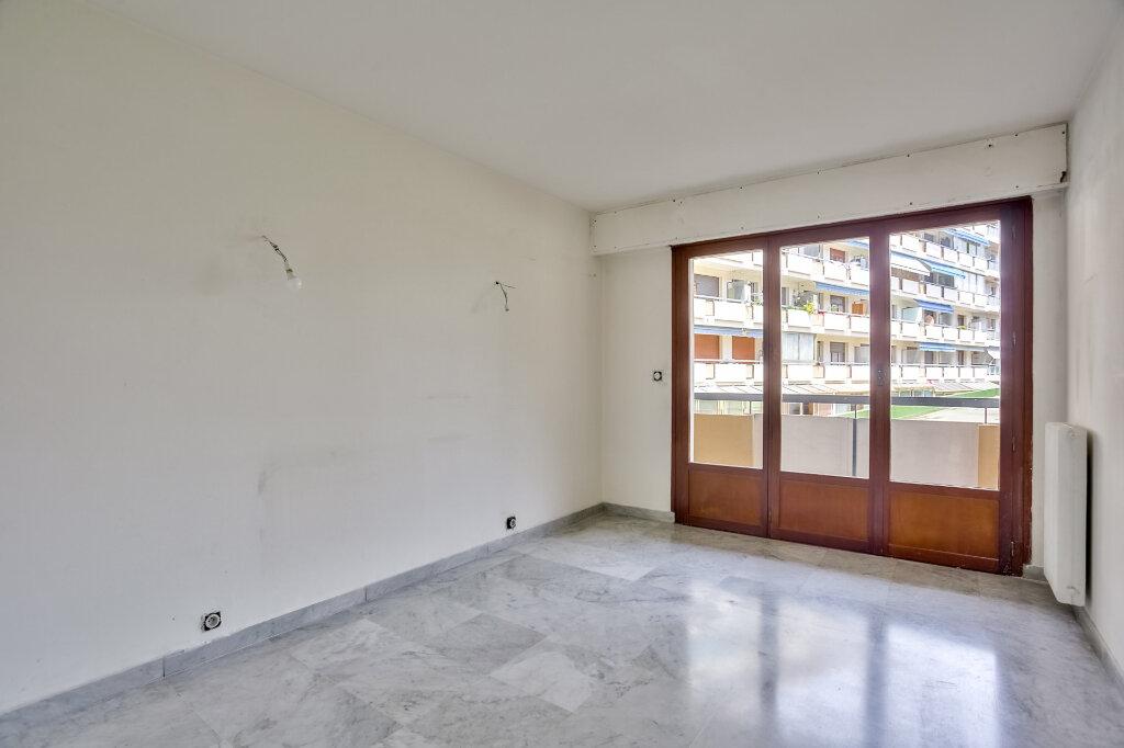 Appartement à louer 3 68.08m2 à Mandelieu-la-Napoule vignette-9