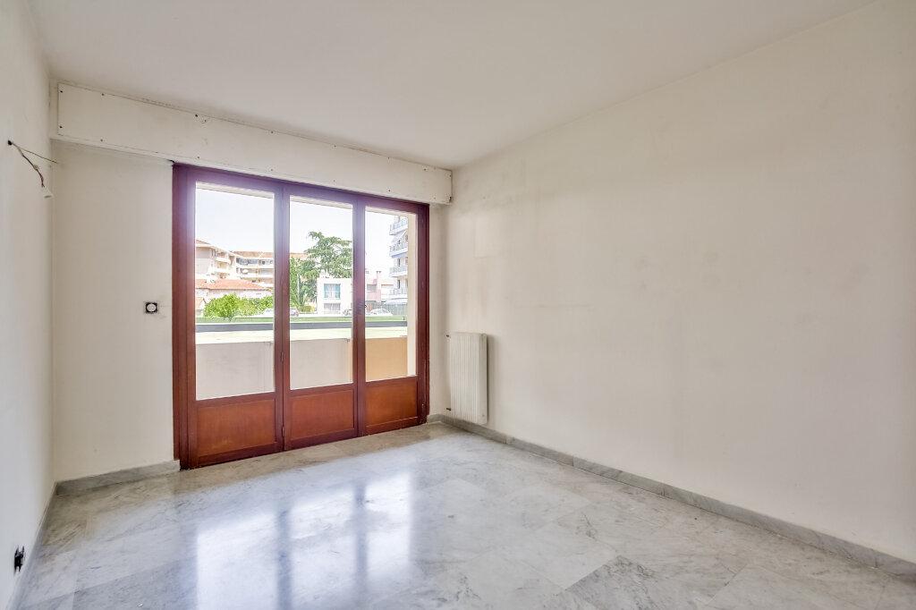 Appartement à louer 3 68.08m2 à Mandelieu-la-Napoule vignette-10