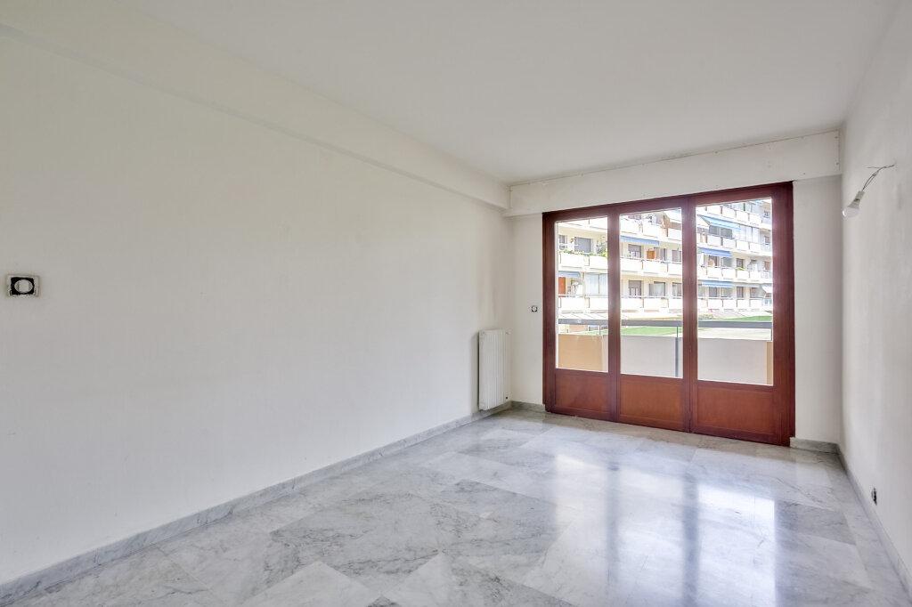 Appartement à louer 3 68.08m2 à Mandelieu-la-Napoule vignette-12
