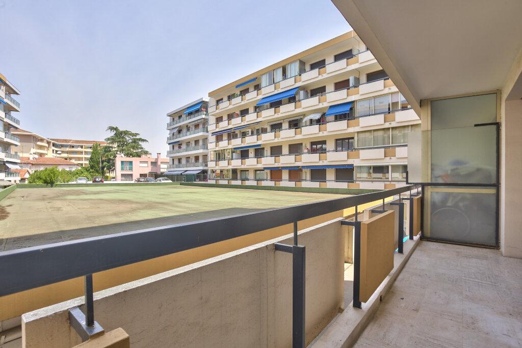 Appartement à louer 3 68.08m2 à Mandelieu-la-Napoule vignette-14