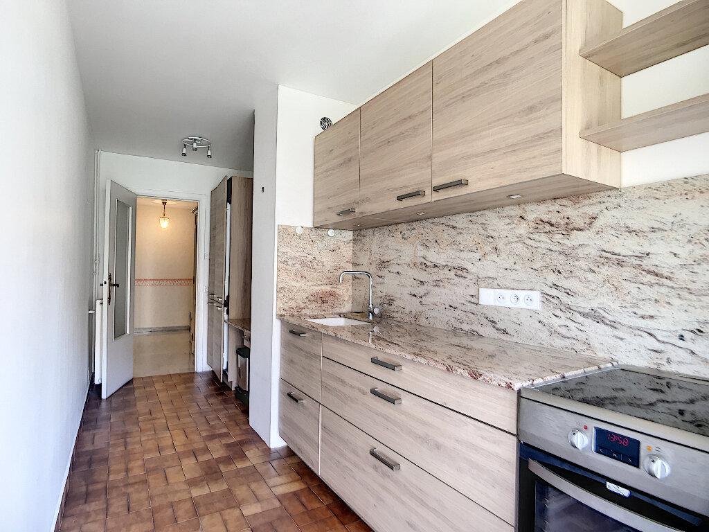 Appartement à vendre 3 70.02m2 à Nice vignette-2