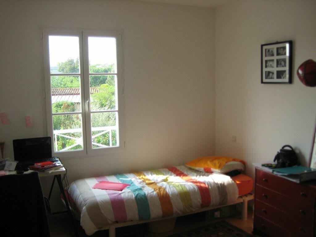 Maison à vendre 6 125m2 à Rochefort vignette-6