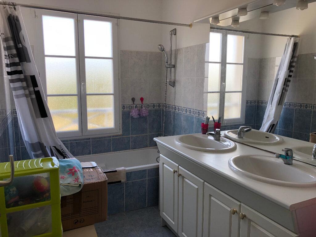 Maison à vendre 6 125m2 à Rochefort vignette-7