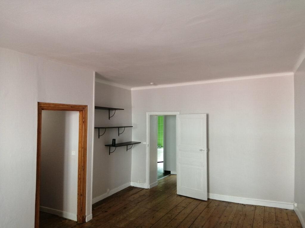 Appartement à louer 4 96.35m2 à Rochefort vignette-2