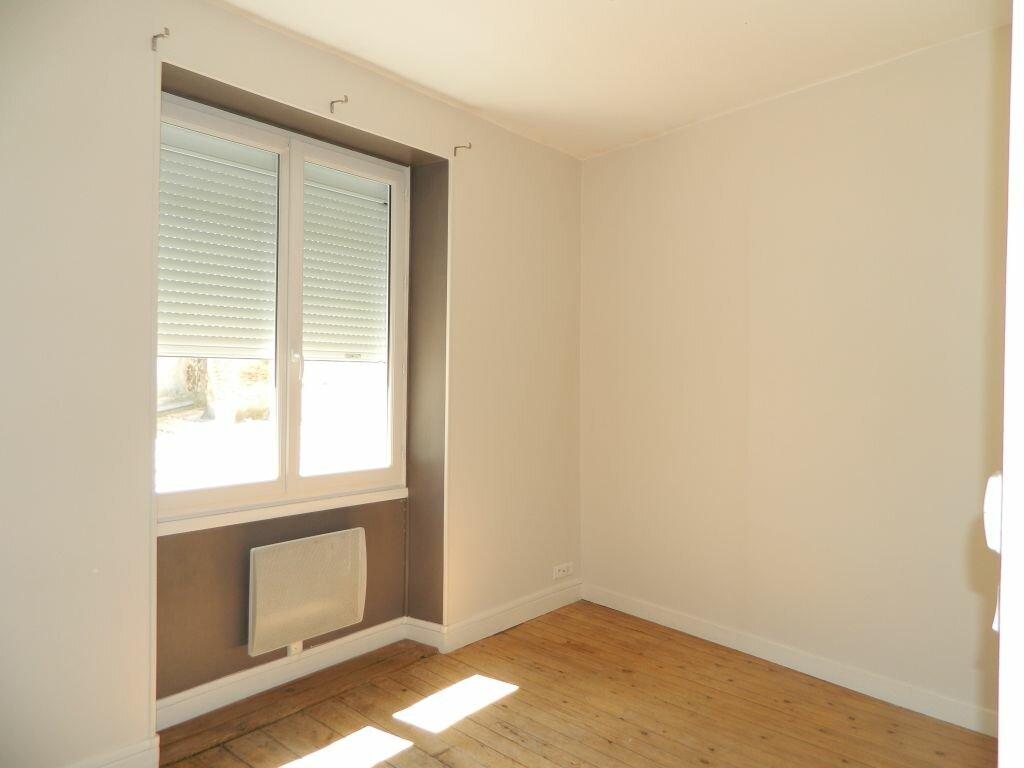 Appartement à louer 4 96.35m2 à Rochefort vignette-3