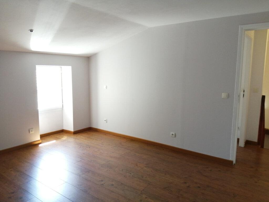 Appartement à louer 4 96.35m2 à Rochefort vignette-6