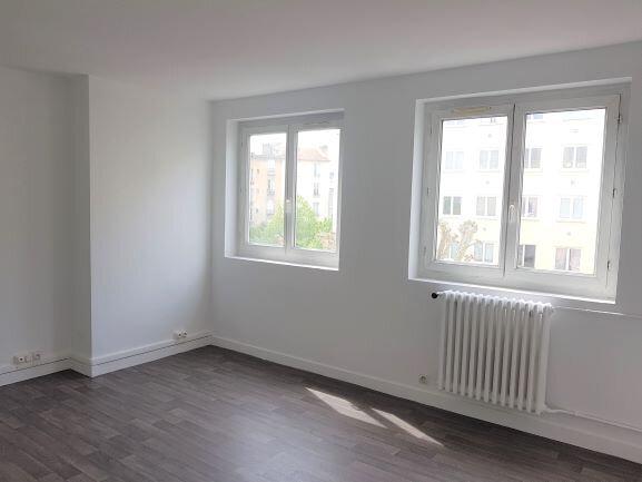 Appartement à vendre 3 52.08m2 à Ivry-sur-Seine vignette-3