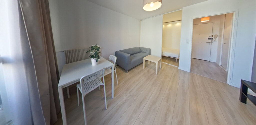 Appartement à vendre 1 27m2 à Fontenay-le-Fleury vignette-1