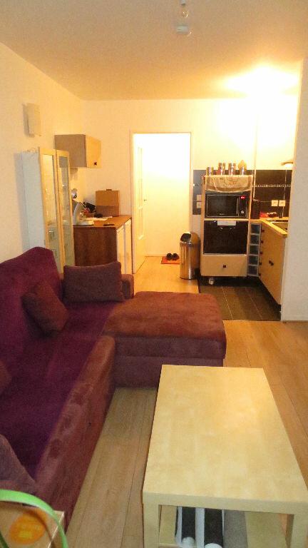 Appartement à louer 2 38m2 à Fontenay-le-Fleury vignette-3
