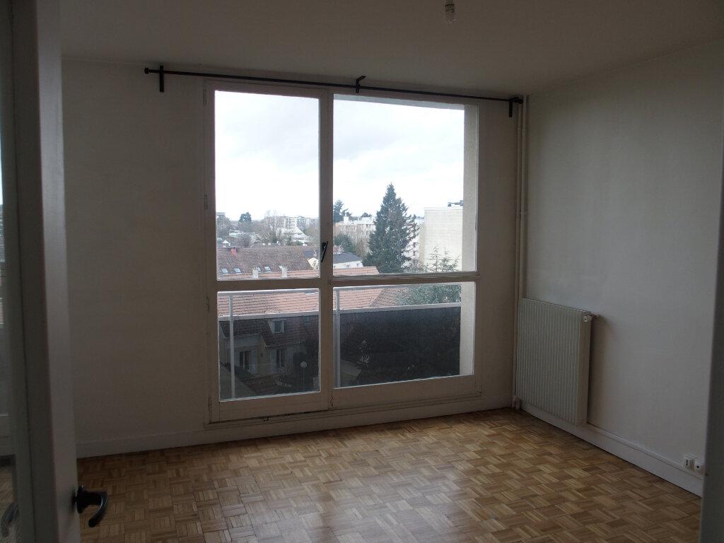 Appartement à vendre 1 28m2 à Fontenay-le-Fleury vignette-4