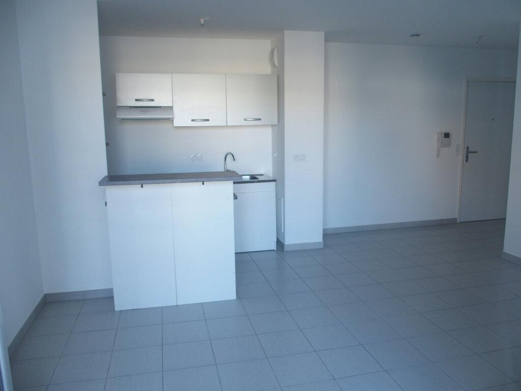 Appartement à louer 2 40m2 à Fontenay-le-Fleury vignette-3
