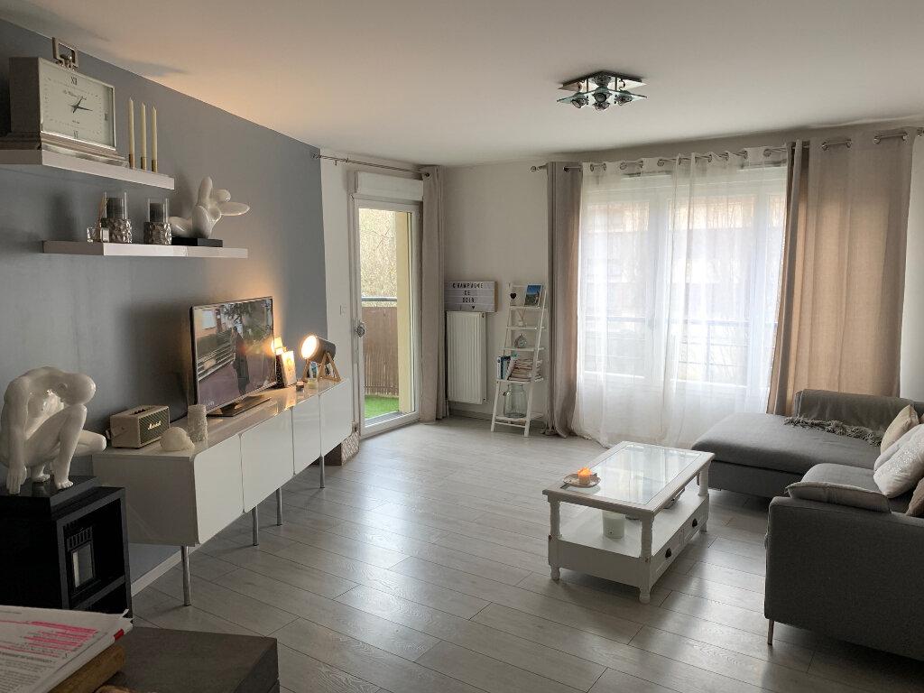 Appartement à louer 3 60m2 à Fontenay-le-Fleury vignette-1