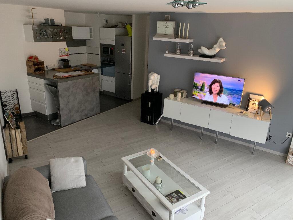 Appartement à louer 3 60m2 à Fontenay-le-Fleury vignette-2